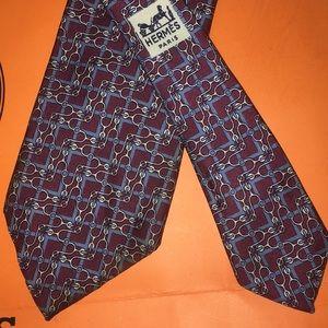 HERMES Burgundy/gray/cream vintage silk tie